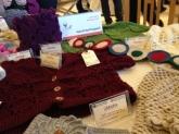 """بالصور: 45 سيدة سورية تعرض منتجاتها اليدوية في """"فعالية عشتار""""..والربع لتنمية المشاريع الصغيرة"""