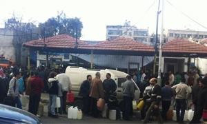أهمها الخبز والبنزين .. قائمة بأهم عشر أزمات عانى منها المواطن السوري في 2013 بسبب الحرب