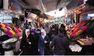 مديرية التجارة تضبط مواطناً  ينتحل صفة مراقب تمويني في سوق الهال