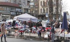 مجلس مدينة ضاحية قدسيا يزيل البسطات بعد إبرام عقود مع أصحابها ويبقيها للبعض
