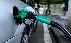 المحروقات تمنح السيارات الحكومية 10 لترات بنزين إضافية