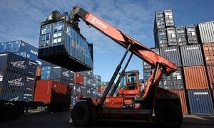 صادرات اليابان تتراجع 1.3% آب الماضي