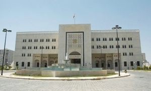 محافظ حماة: اجراءات صارمة لمعالجة التسيب واللامبالاة الادرية