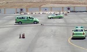 النقل بصدد وضع نظام جديد لمدارس تعليم قيادة السيارات