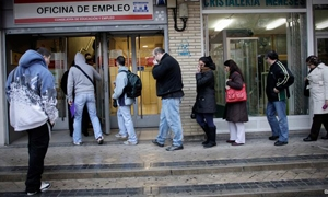 شبح البطالة يلازم الأوروبيين حتى نهاية العام القادم