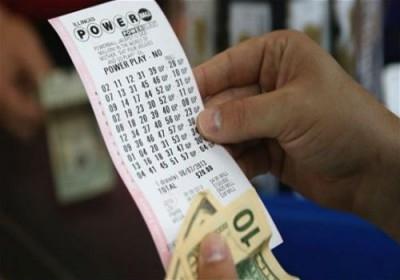 لجائزة الكبرى لليانصيب الأمريكي تقفز إلى 900 مليون دولار