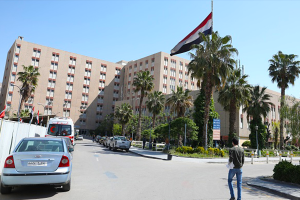 بعد تراجع الفيروس... مشفى الأسد الجامعي تغلق الأقسام الإضافية المخصصة لكورونا
