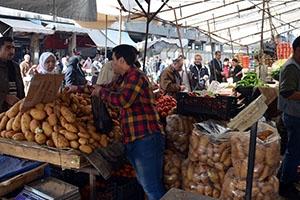 حيتان و تجار سوقين في دمشق و طرطوس دفعوا ملايين الليرات لإغلاق مركز تسويقي منافس لهم!!