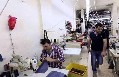 هذا الأسباب التي تدفع أرباب العمل الأتراك بتشغيل العمالة السورية بشكل غير قانوني؟.. فقط 6 آلاف من أصل ربع مليون يعملون بشكل قانوني