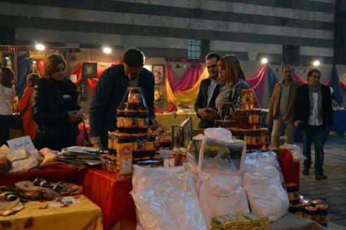 بالصور: افتتاح معرض سيدات يتحدين الأزمة بدمشق بدعم من اتحاد المصدرين السوري
