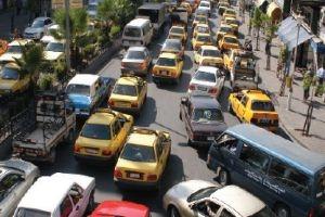 معاون قائد شرطة دمشق:  أشخاص يحصلون على مليون ليرة يومياً لقاء وقوف السيارات من الأمويين حتى الربوة!!