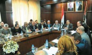وزير الصناعة يطالب مدراء شركات النسيج الاعتراف بالخطأ باعتباره