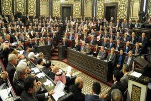 نائب بمجلس الشعب يطلب من الحكومة معاملة لبنايين بالمثل عند دخولهم إلى سورية