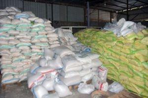 في دمشق..ضبط مستودع يحتوي مواد غذائية وإغاثية منتهية الصلاحية