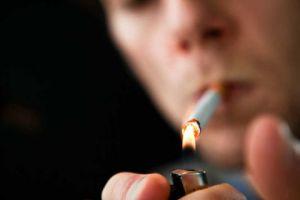 المالية: مشروع قانون يفرض رسوماً على السجائر والمشروبات الكحولية