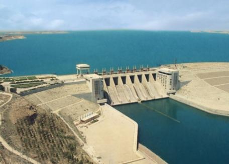 بحيرة الأسد تتعرض لتسرب قد يهدد سد الفرات..والأسباب ممارسات غير شرعية في سحب المياه