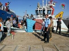 مركب الموت...تعرض مركب لمهاجرين سوريين لاطلاق النار في البحر المتوسط ووفاة احدهم