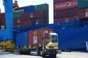 الاقتصاد تؤكد: تسوية جزء كبير من الحاويات المحتجزة بمرفأ اللاذقية..ولا رسوم إضافية