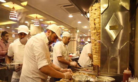الوجبة السريعة في دمشق تعادل 3 بالمئة من راتب الموظف..و أسعار وجبات الفطور ترتفع 10 أضعاف