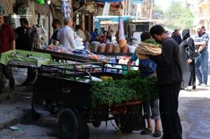 ارتفاع كبير في أسعار المواد والسلع الغذائية في حلب..وكيلو السكر يقفز إلى 600 ليرة