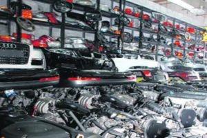 قطع السيارات لا تغطي سوى 70% من السوق..وصعوبة الاستيراد ترفع أسعارها