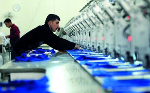 الاقتصاد: منح إجازات استيراد لآلات وخطوط انتاج بقيمة 30 مليون دولار خلال شهرين