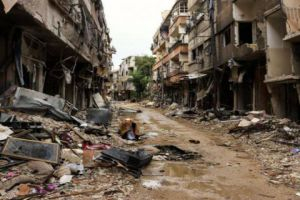 سماسرة يستغلون عجز أهالي الغوطة عن ترميم بيوتهم لشرائها بأبخس الأثمان!