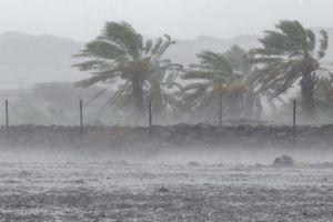 الشتاء يبدأ عنيفاً.. عاصفة مطرية تتسبب بوفاة شخص وأضرار كبيرة في القلمون