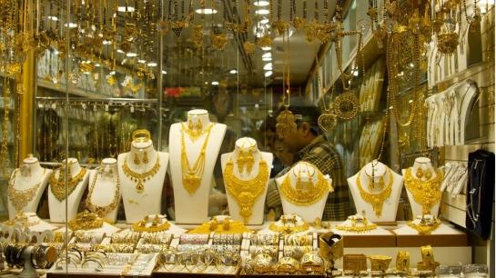الذهب في سورية يحافظ على مستوياته القياسية خلال أسبوع..الغرام عند 11900ليرة والأونصة بـ432 الف ليرة