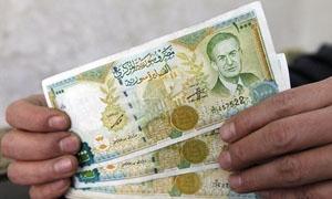 الليرة متماسكة أمام الدولار