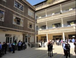 برسم وزارة التربية: مدرسة حكومية تطرد طلابها لأنهم لم يدفعوا ''تعاون ونشاط''!