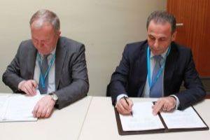 سورية وبيلاروس توقعان اتفاقية للتعاون بإنتاج الأدوية والمعدات الطبية