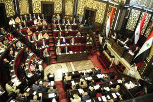 إقرار قانون بإعفاء الصناعيين من رسوم تجديد رخص البناء