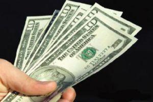 تاجر يستغرب ارتفاع الدولار .. ويقول: السبب غير معروف وارتفاعه غير وهمي