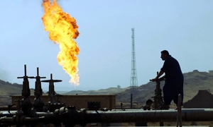 النفط العراقي في كفة الأزمات الراهنة