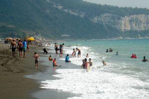 السياحة تنظم رحلة ترفيهية لذوي الدخل المحدود بـ26 ألف ليرة