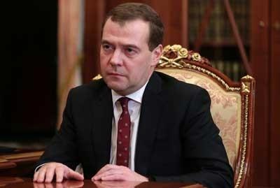 ميدفيديف يكلف الحكومة الروسية باعداد مشروع اتفاقية حول إقامة اتحاد اقتصادي أوراسي يضم روسيا وبيلاروس وكازاخستان