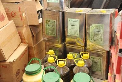 التجارة الداخلية بدمشق تصادر 55 طنا من المواد الغذائية والمنظفات والزيوت منتهية الصلاحية