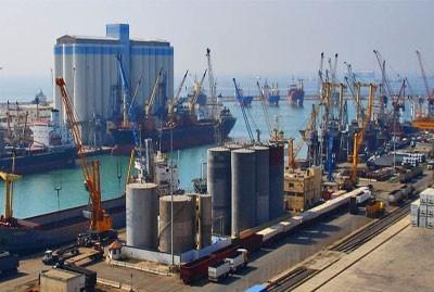 مرفأ اللاذقية: وصول باخرة محملة بـ30ألف طن من المواد التموينية الإيرانية