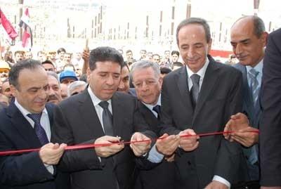 رئيس الحكومة يفتتح مشاريع تنموية في حماة بقيمة 5 مليارات ليرة
