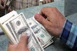 خبير مالي ونقدي يقترح خطة على مراحل لضبط سعر الصرف