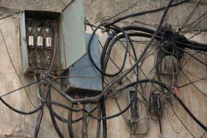 سرقة الكهرباء يكبدون وزارة الكهرباء خسائر قدرها 14 مليون ليرة يومياً!