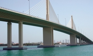 الامارات تنهي بناء أضخم جسر مدعوم بالكابلات