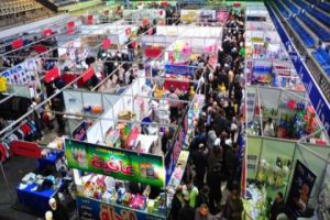 وزير التجارة يتهم غرفة صناعة دمشق بالسماح لشركات وهمية بالمشاركة في مهرجانات التسوق.. والأخيرة تنفي