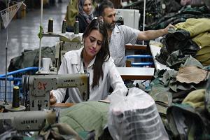 صناعة النسيج في سورية تحتاج حلول جذرية لا ترقيعية..سعر القطن عالمياً يعادل 625 وفي سورية بـ860 ليرة!!