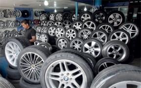 تقرير: إرتفاع أسعار إطارات السيارات بنسبة 400 بالمئة..وإقبال على شراء المستعمل منها