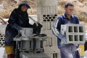 نحو 10 مليارات دولار ينفقها السوريون في لبنان سنوياً!