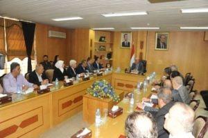 وزارة التجارة الداخلية: الاتفاق مع الصناعيين بتخفيض أسعار منتجاتهم وخاصة الألبسة