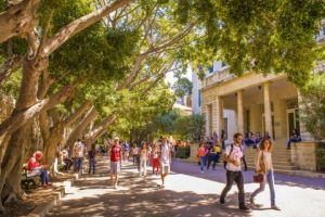 الإقامة والاحتيال يفوتان فرصة تسجيل الطلبة الســوريين في الجامعات اللبنانية