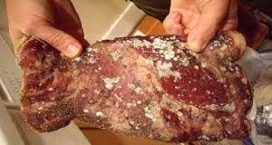 في أسواق دمشق..اللحوم تصبغ باللون الأحمر..والأسماك تغش بالمياه